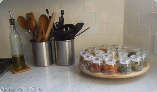 Pre-Move, spices, closet 001
