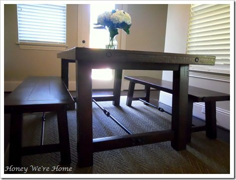 Dining table, sitting room 009