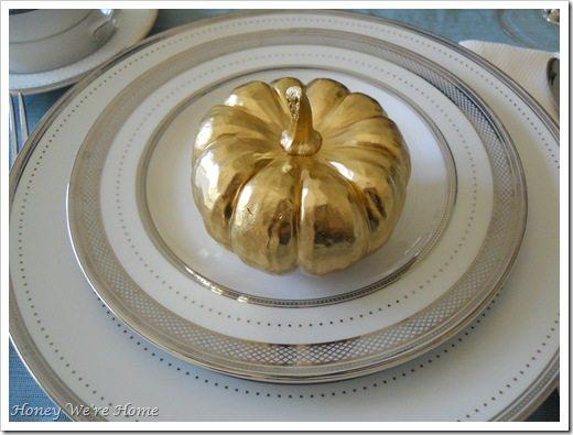 Gma, Thanksgiving table 043