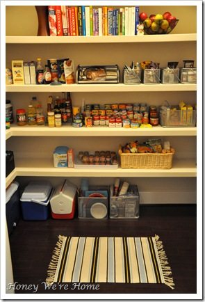 Amy, Trisa, pantry.2 004