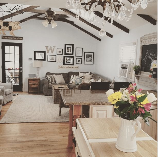20 Beautifully Decorated Real Life Living Rooms - Gracie Blue