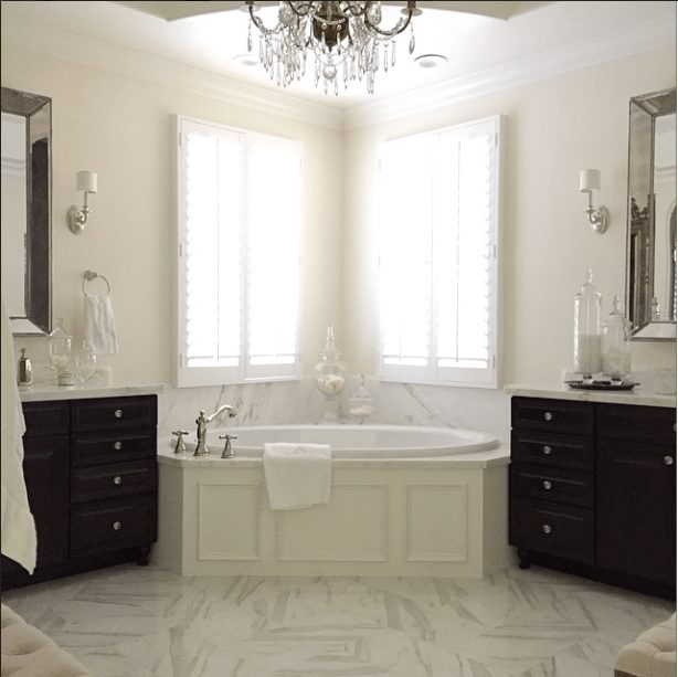 Gorgeous Real Life Bathrooms | @randigarrettdesign