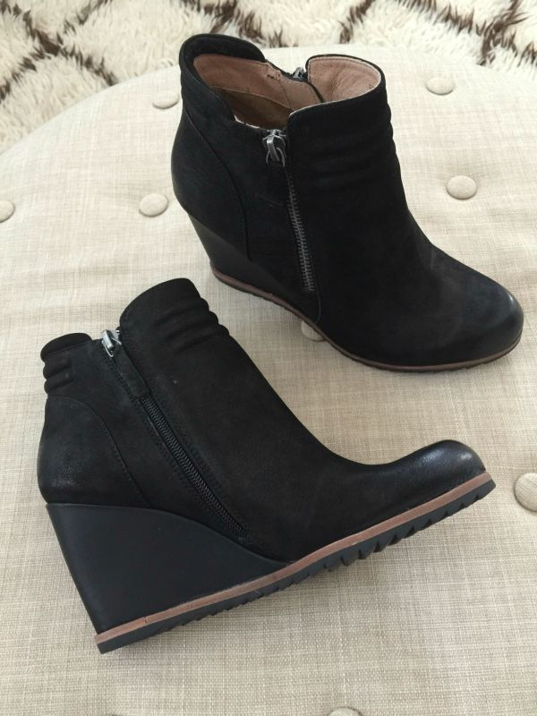 Fall fashion - Baila Ashton Wedge Ankle Bootie