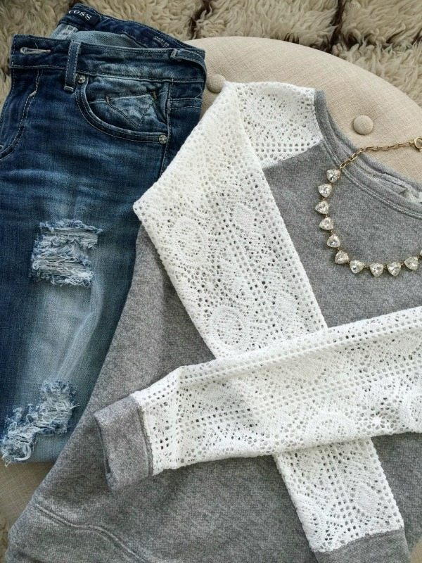 Summer Fashion - distressed jeans and lace sleeve top