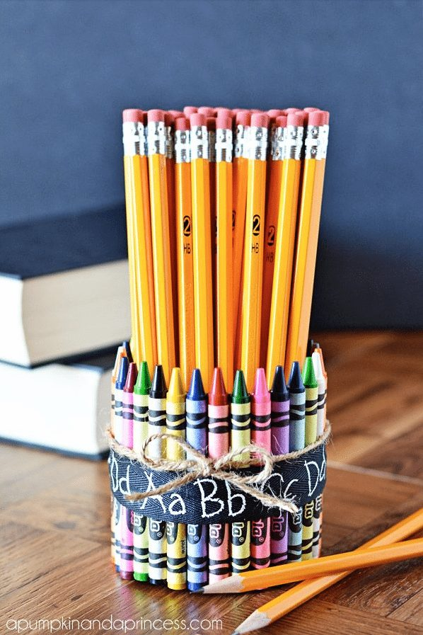 Teacher Gift - Crayon Pencil Vase via A Pumpkin and a Princess
