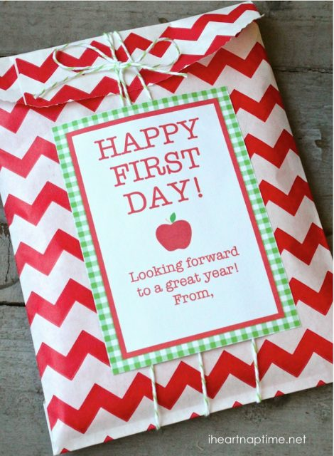 Teacher Gift - FREE printables and download via Bloom Designs via I Heart Naptime