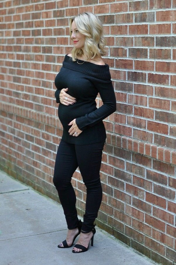 Maternity Style - dressing the bump, off the shoulder black sweater from ModCloth & GAP maternity black skinny jeans| Honey We're Home #16weekspregnant
