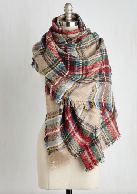 Fall fashion - perfect blanket scarf colors for fall and winter and HOLIDAYS!