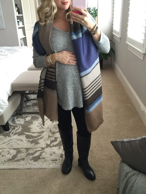 Winter fashion | grey tunic and knee high boots with leggings - #maternitystyle #dressingthebump