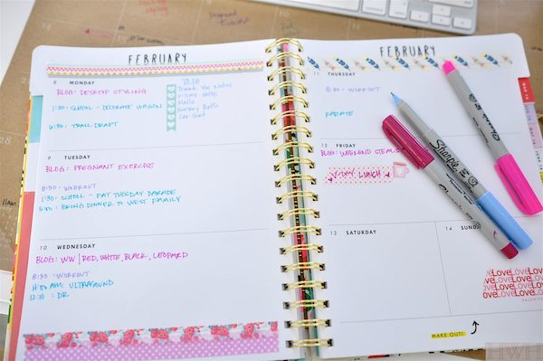 Pretty desktop organization/styling and planners to keep you organized | Honey We're Home