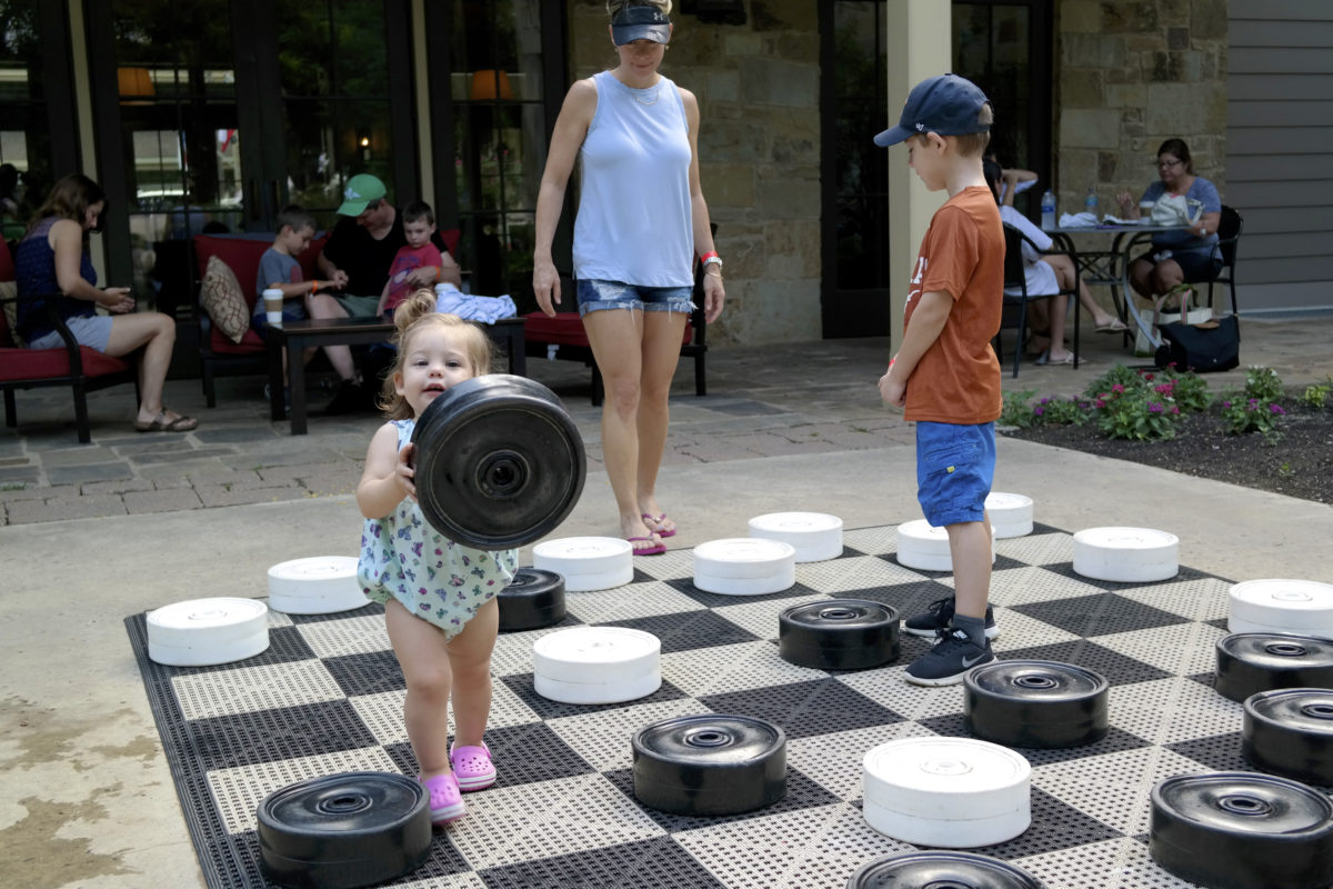 giant checkers lost pines resort