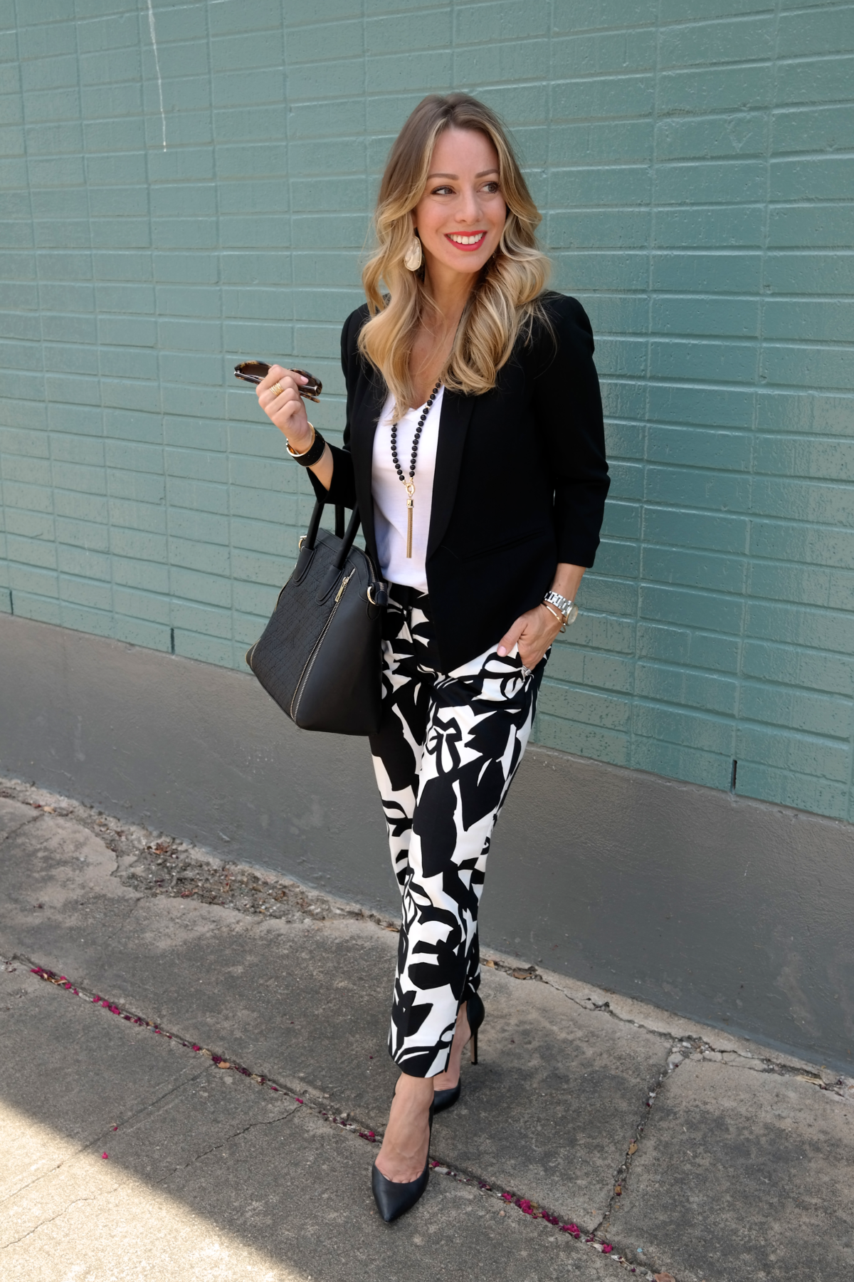 print pants black blazer.01