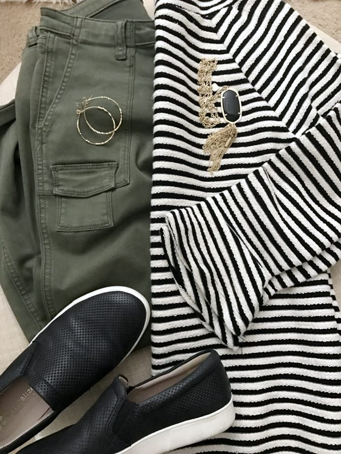 15 Fall Cute & Comfy Fall Outfits- cargo pants and striped bell sleeve sweater with slip on sneakers #fallfashion #falloutfit