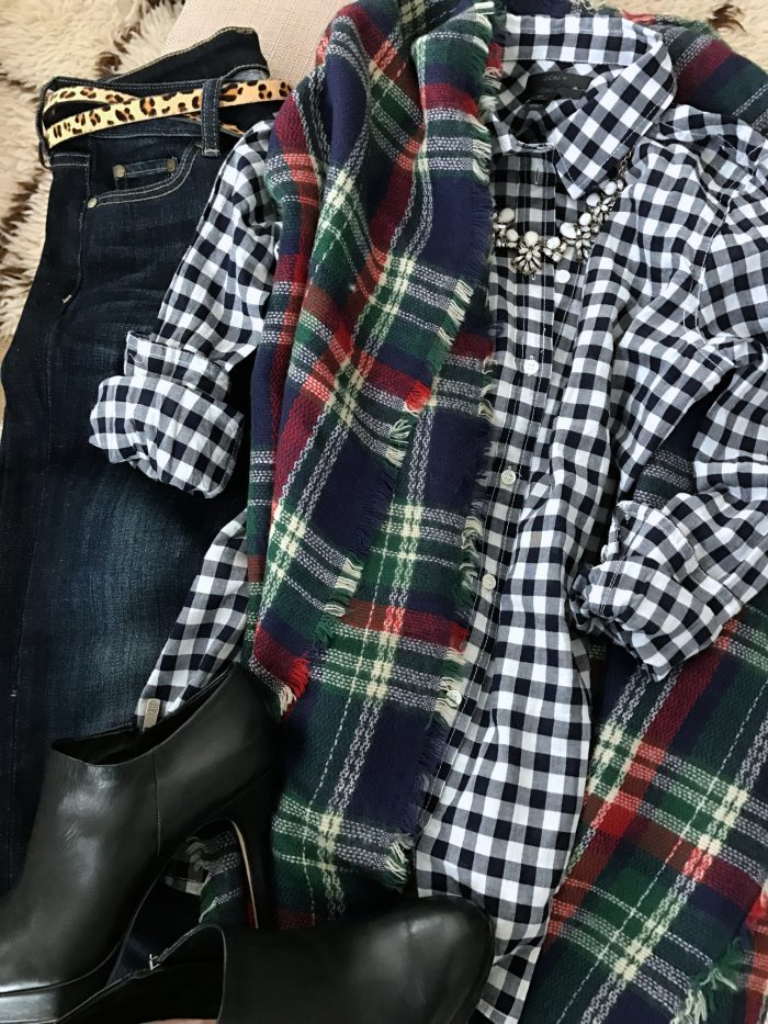 15 Fall Cute & Comfy Fall Outfits- gingham top with plaid scarf, jeans and booties w leopard clutch #fallfashion #falloutfit