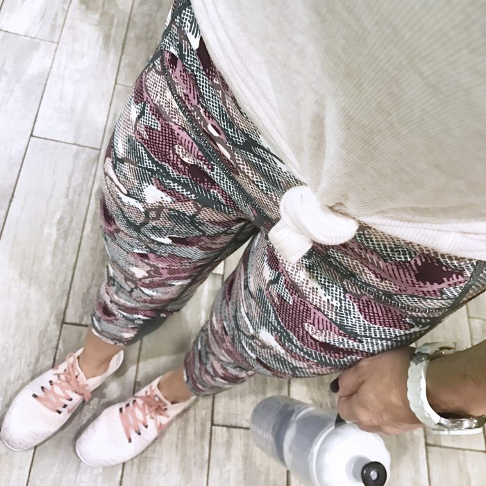 Zella high waist pink camo leggings #Zella #workoutoutfit #leggings