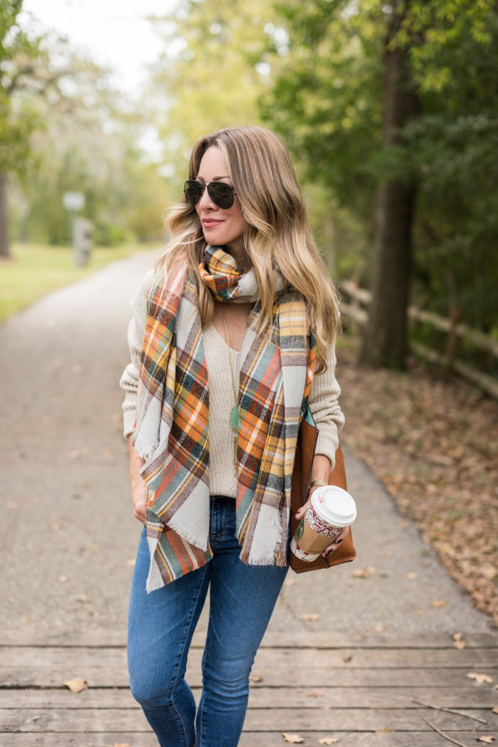 4Cute & Comfy Thanksgiving OutfitCute & Comfy Thanksgiving Outfit