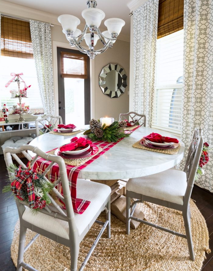 Christmas Home Tour - Breakfast Room -Honey We're Home 2