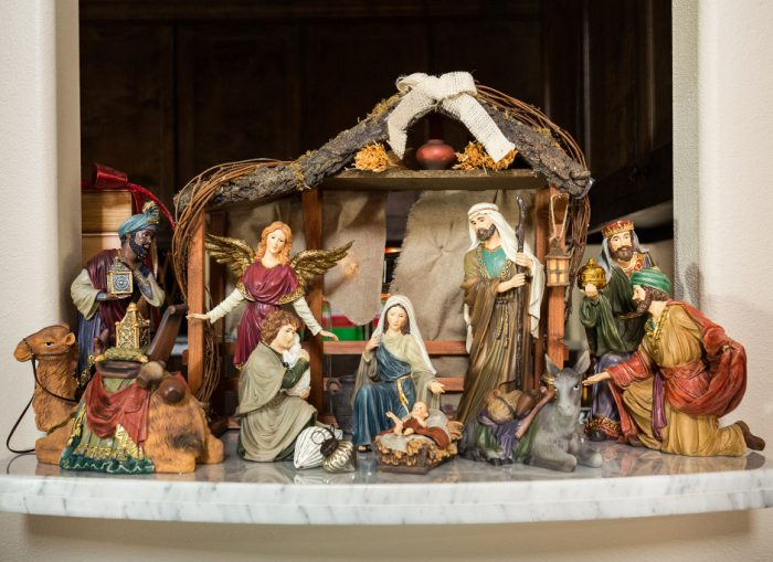 Christmas Home Tour - Nativity -Honey We're Home (2)