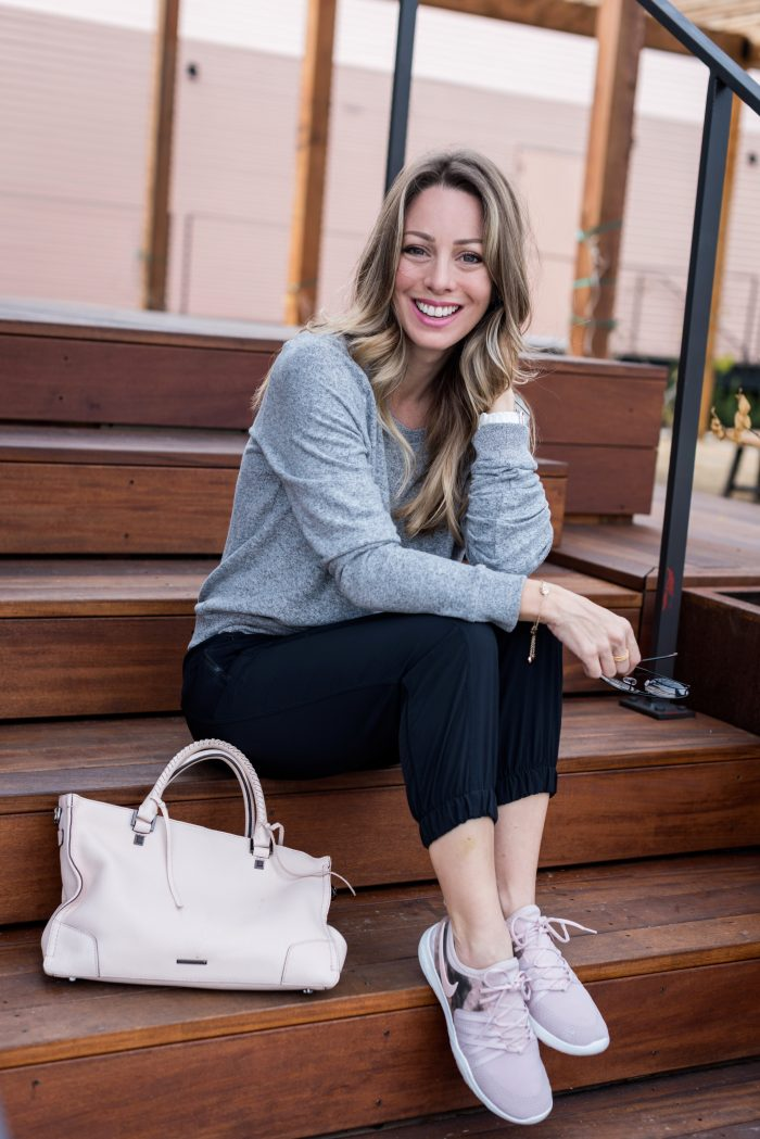 Daily Outfit Inspiration - crop joggers and grey pullover with pink sneakers