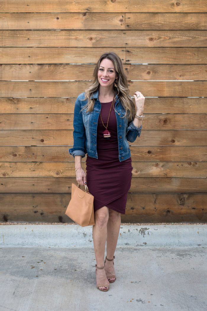 Daily Outfit Inspiration - magic rushed dress and tan bag with jean jacket