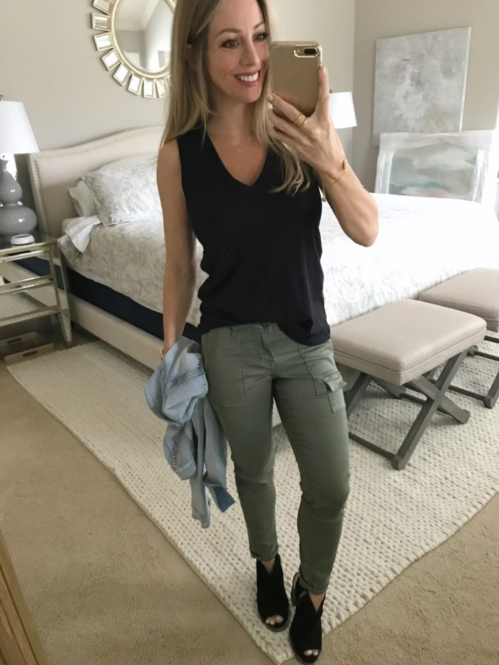 Outfit inspiration - black tank w skinny cargo pants and booties with jean jacket