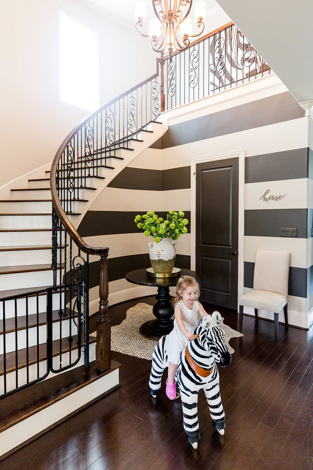 Spring Home Tour foyer with curved staircase (1)
