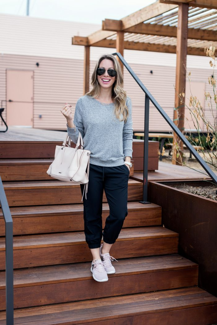 Weekend outfit inspiration - joggers and comfy top with sneakers