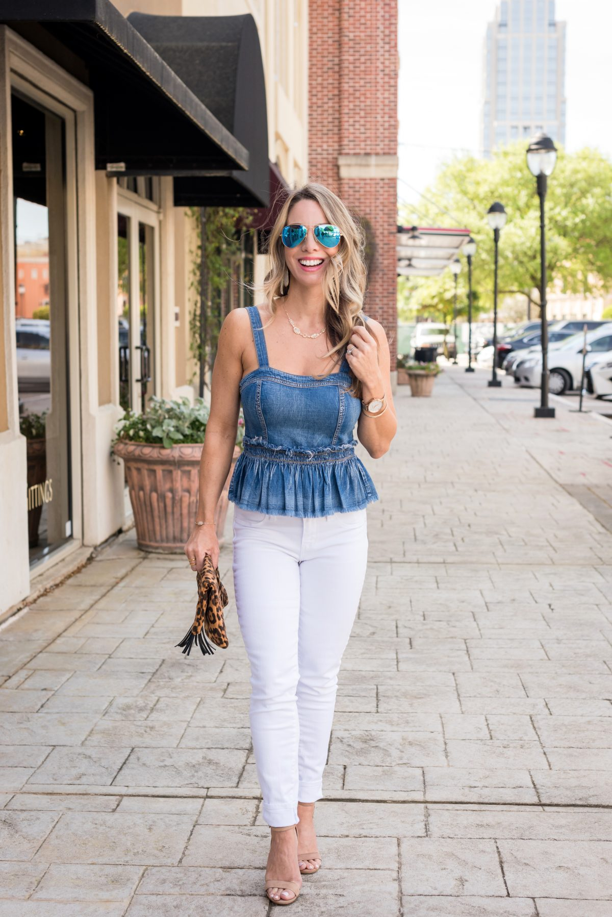 Weekend White Jeans Outfit