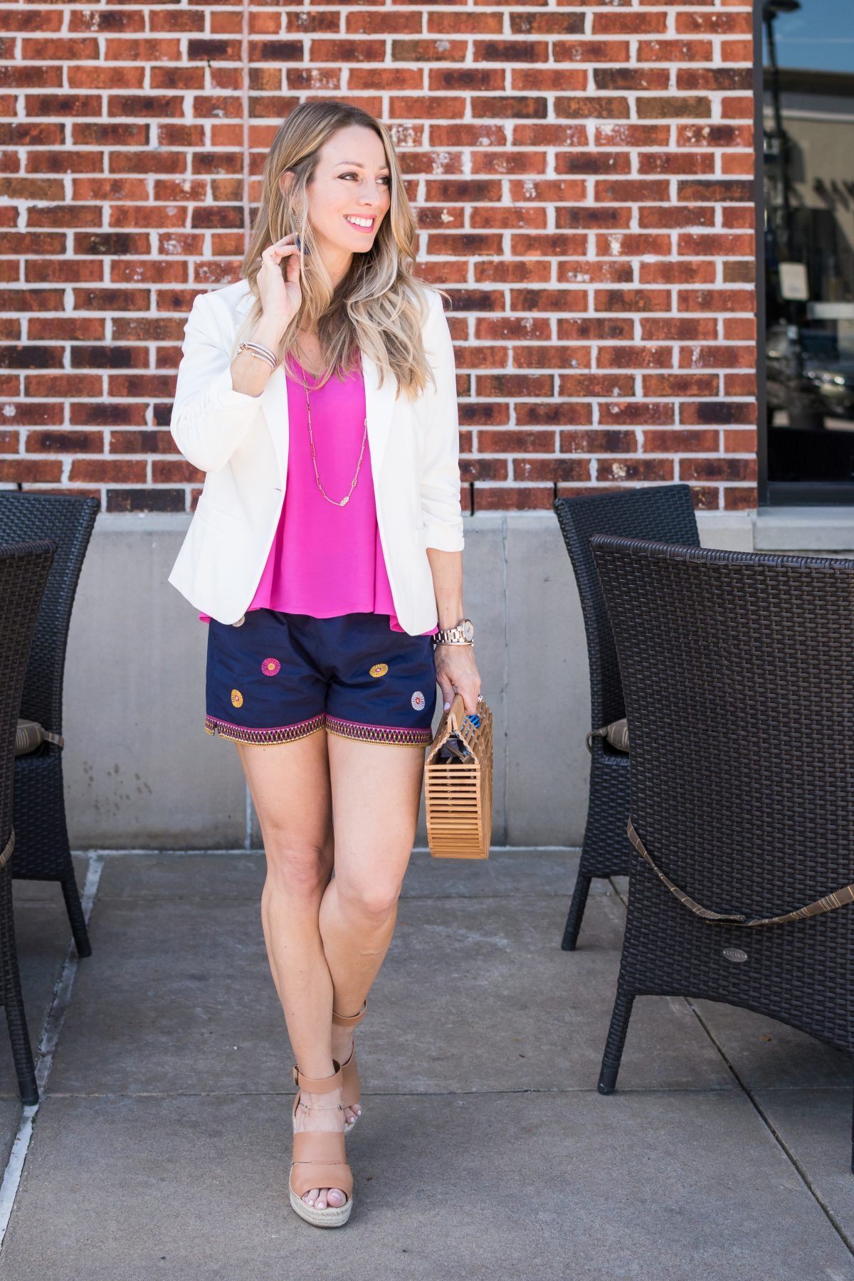 how to style a white blazer shorts