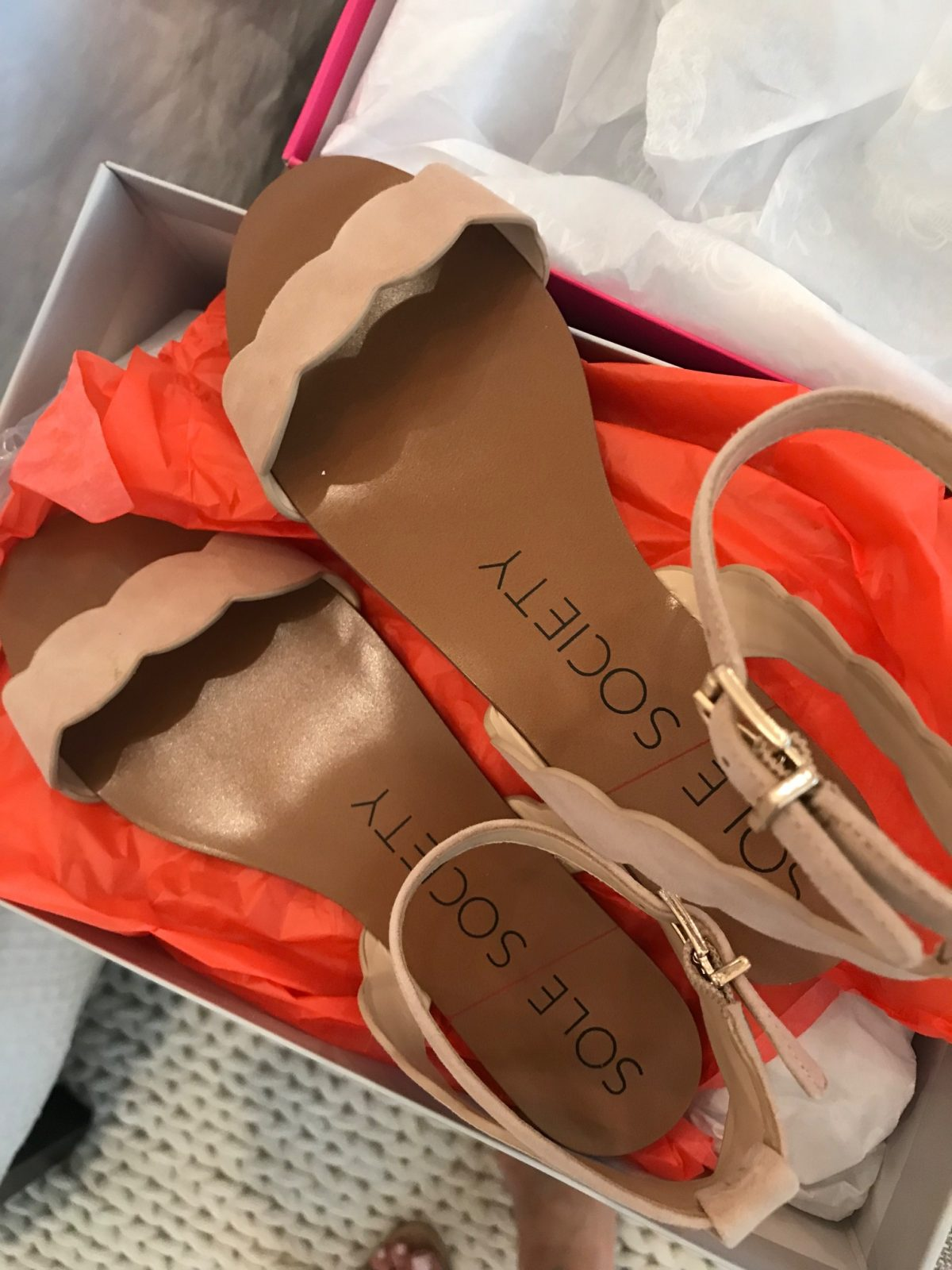 Trunk Club- scallop flat sandal