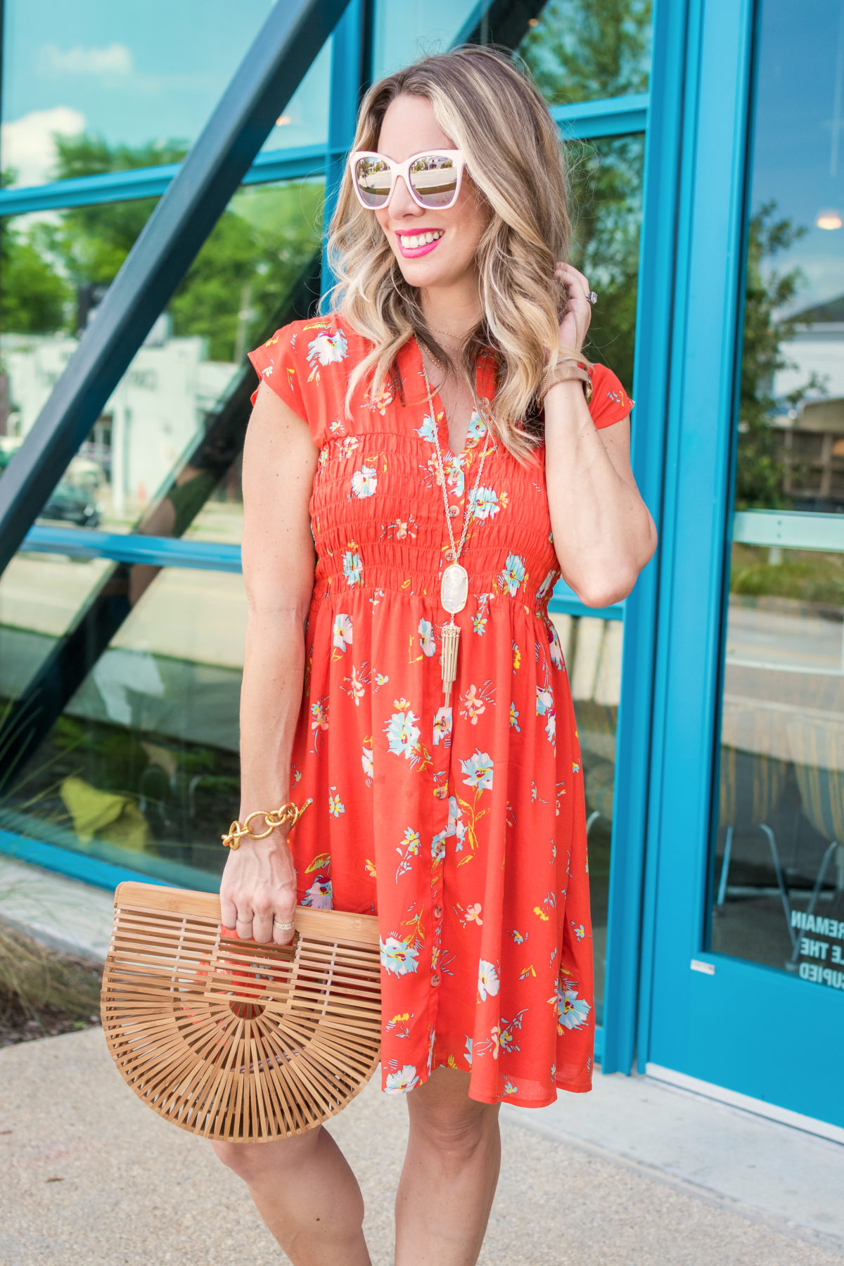 Cute summer dress and wooden bag (1)