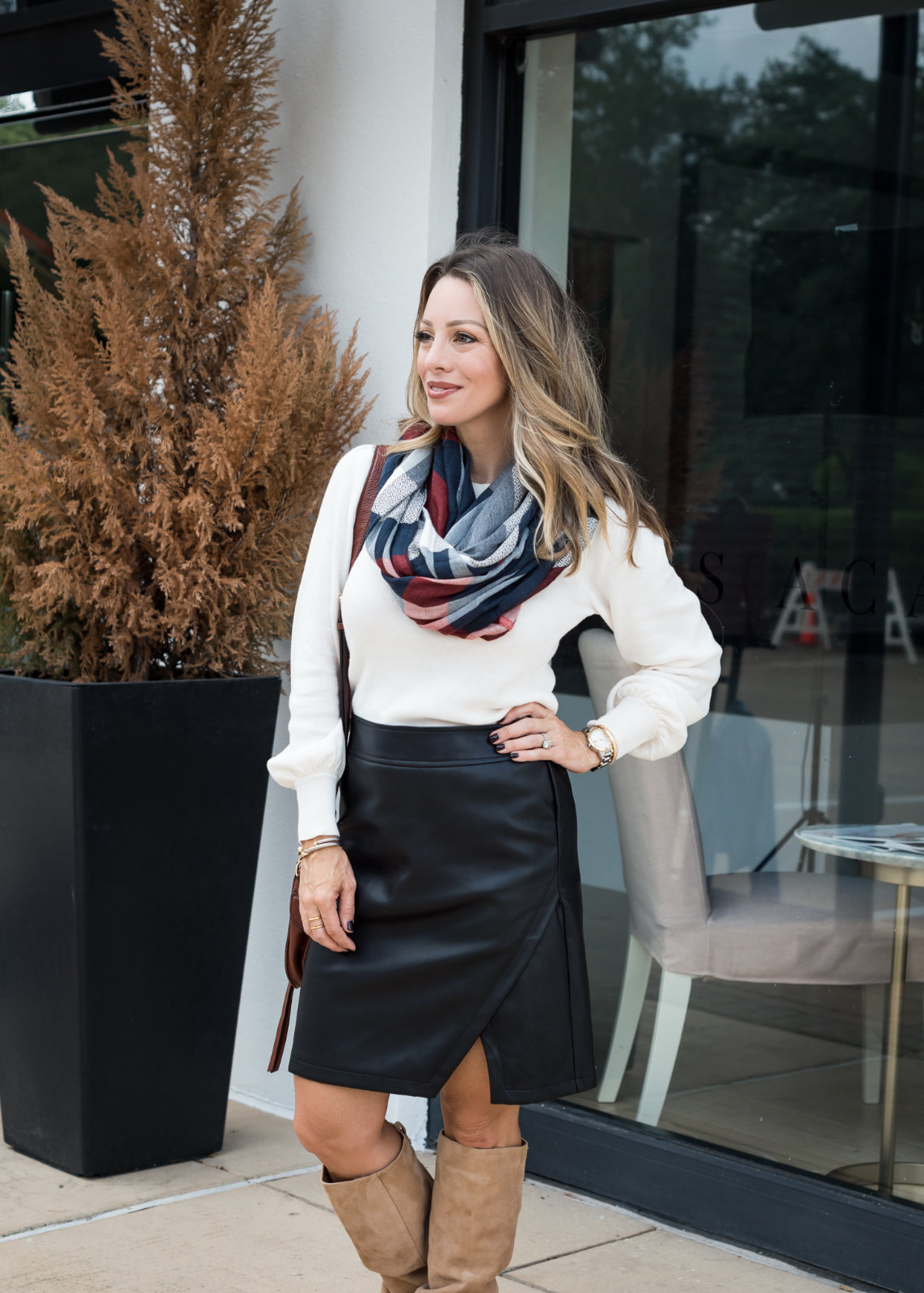 eabe73d515 6 Black Leather Skirt Outfit Ideas For Fall | Honey We're Home