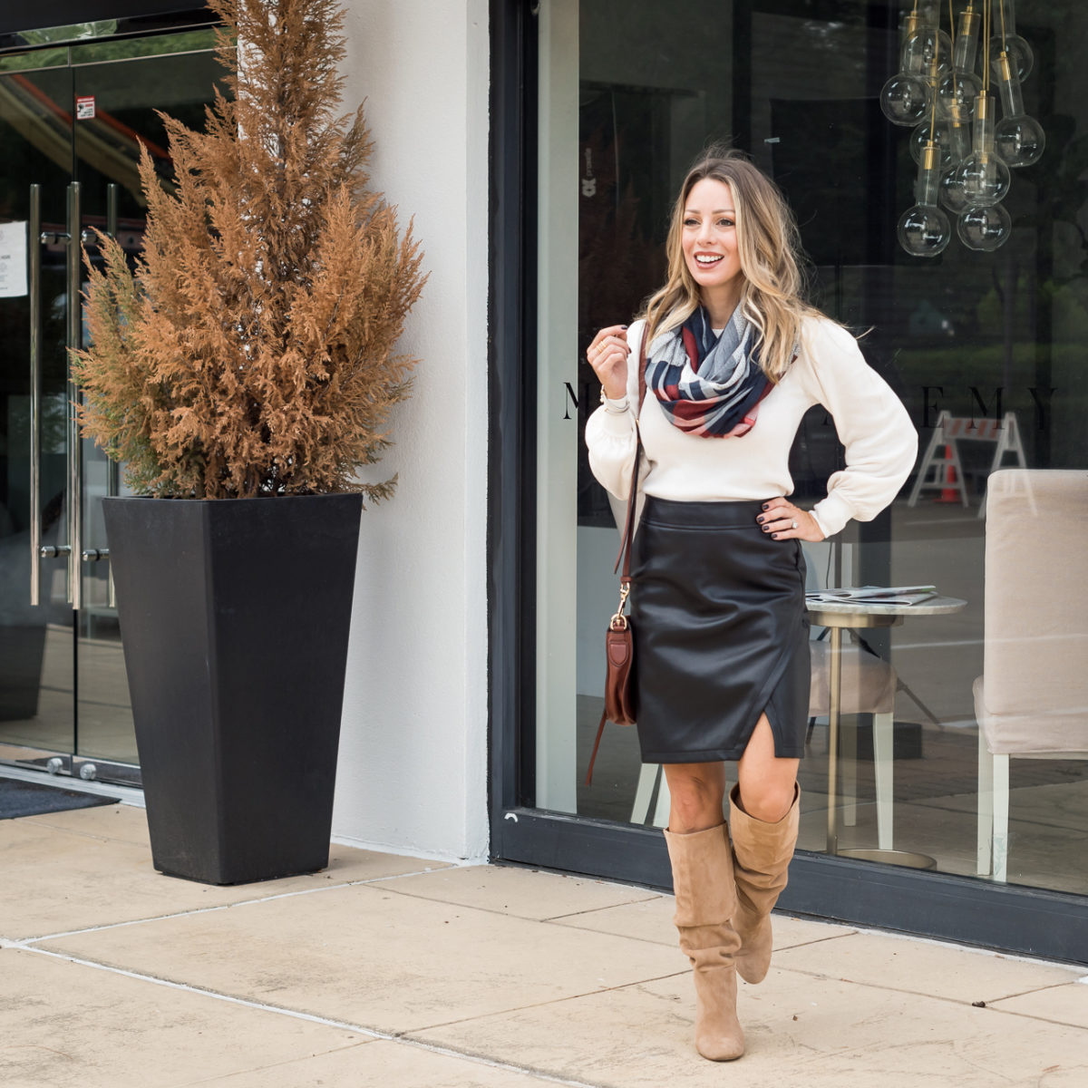 LOFT black leather skirt outfit ideas for fall