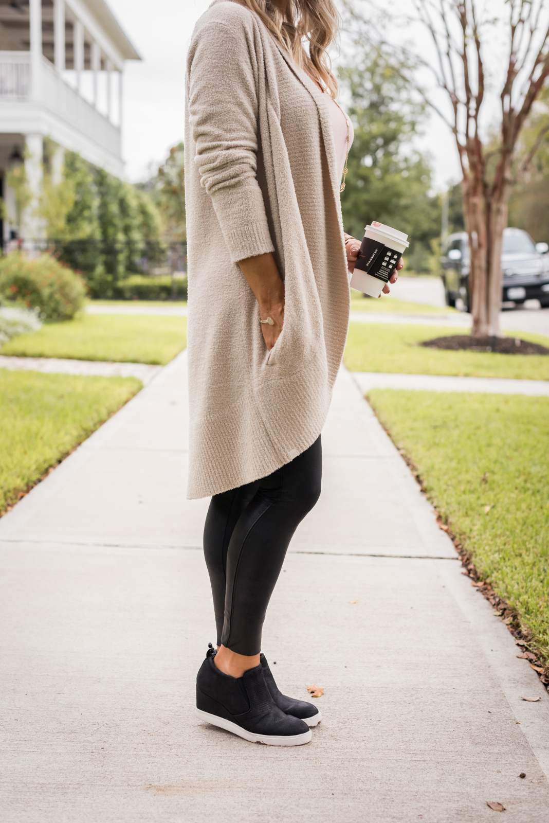 Cozy Fall Outfit Inspiration - Barefoot Dreams cardigan and Gibson soft tank with Spankx leggings and sneakers (1)
