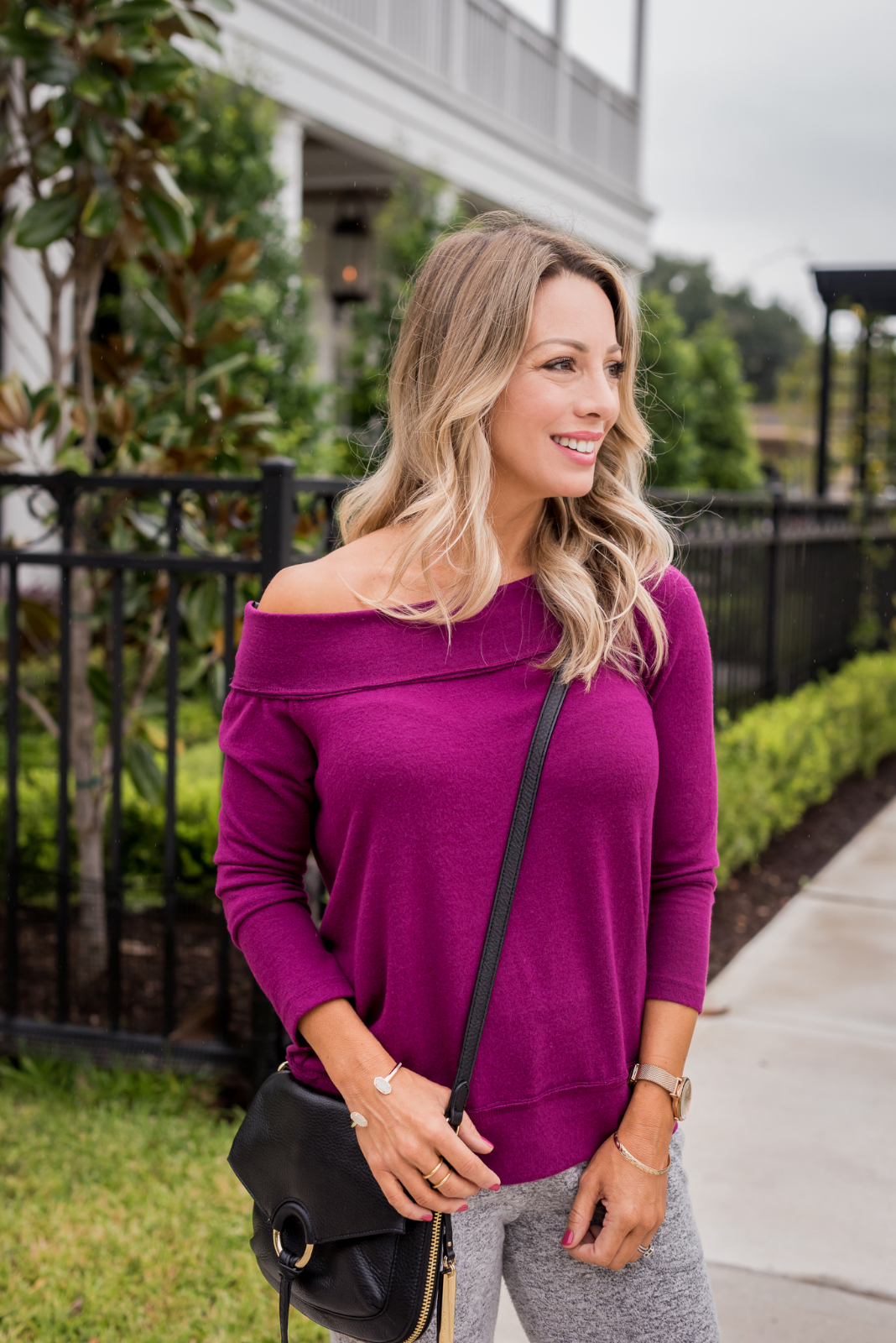 Cozy Fall Outfit Inspiration -Gibson joggers and off shoulder top (3)
