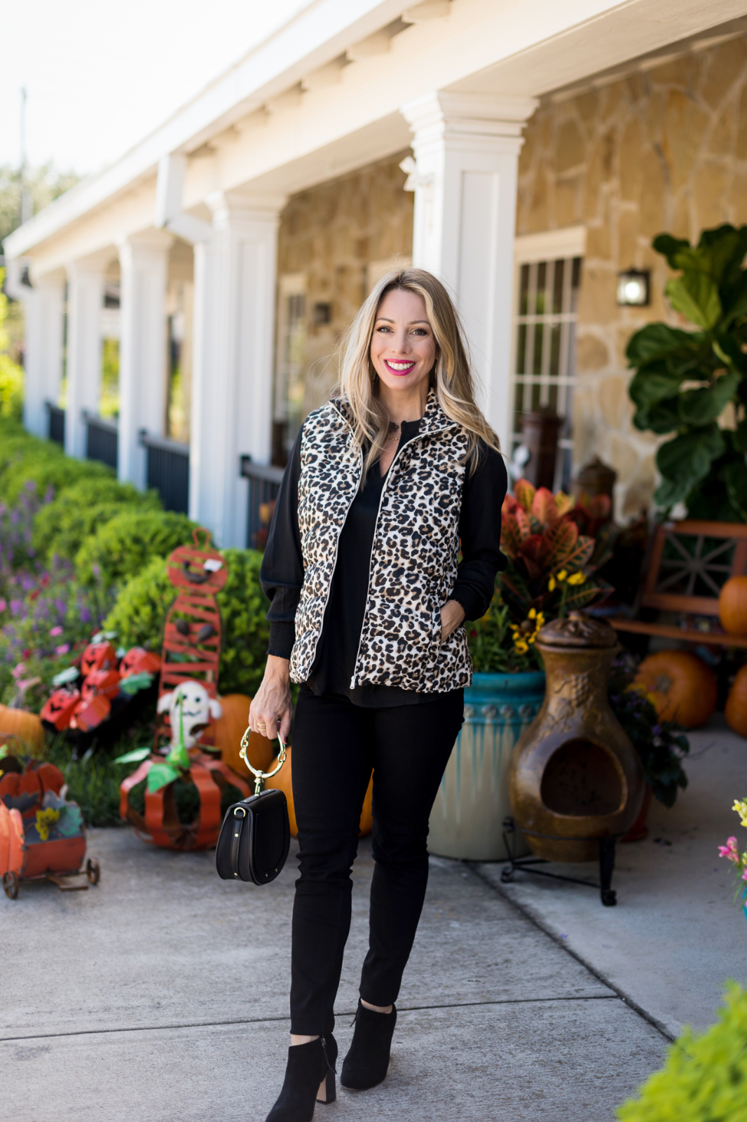 Cute Fall Outfit w Leopard Vest.2