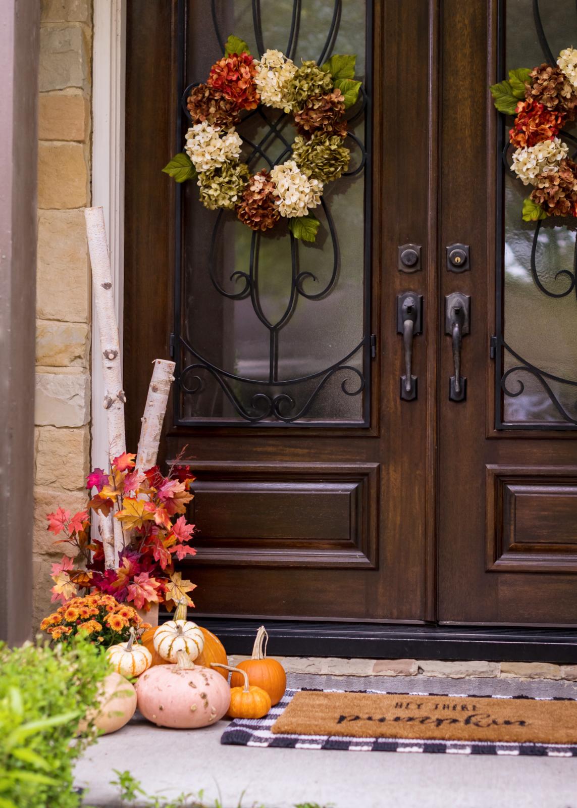 Fall Porch Decor.10