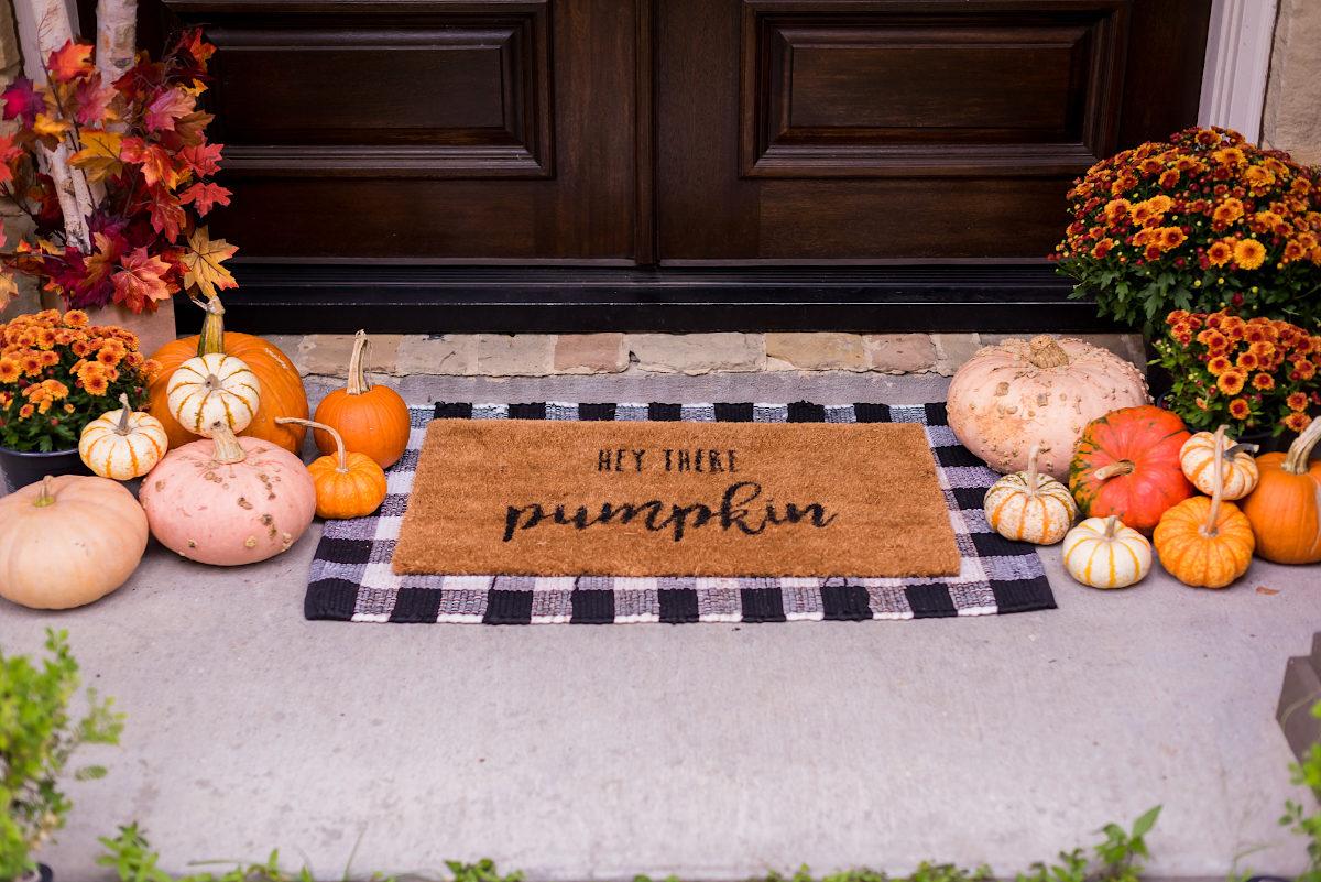Fall Porch Decor.9