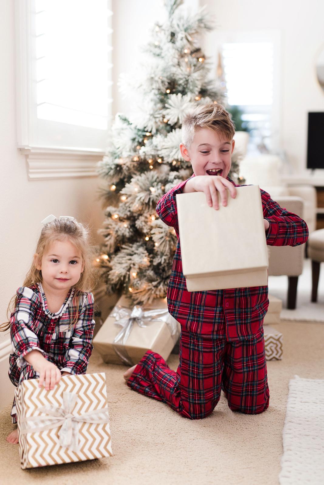 Family Christmas Pajamas Plaid (1)