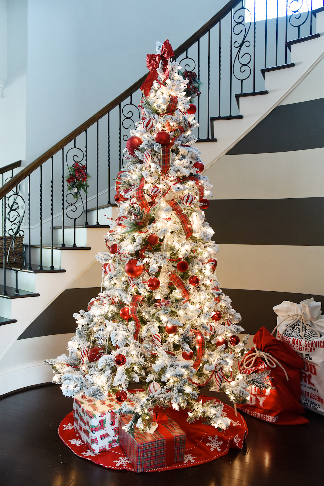 Christmas Decor - flocked Christmas tree (1)