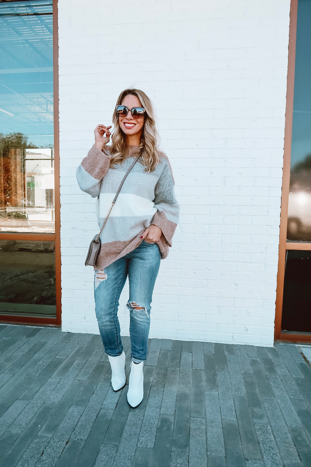 Winter outfit - grey sweater skinny jeans and leopard booties