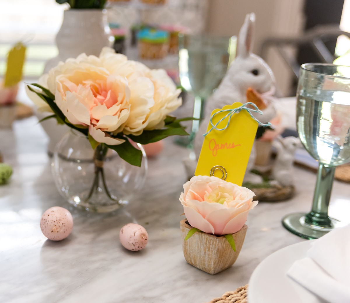 Easter Brunch Table Decor