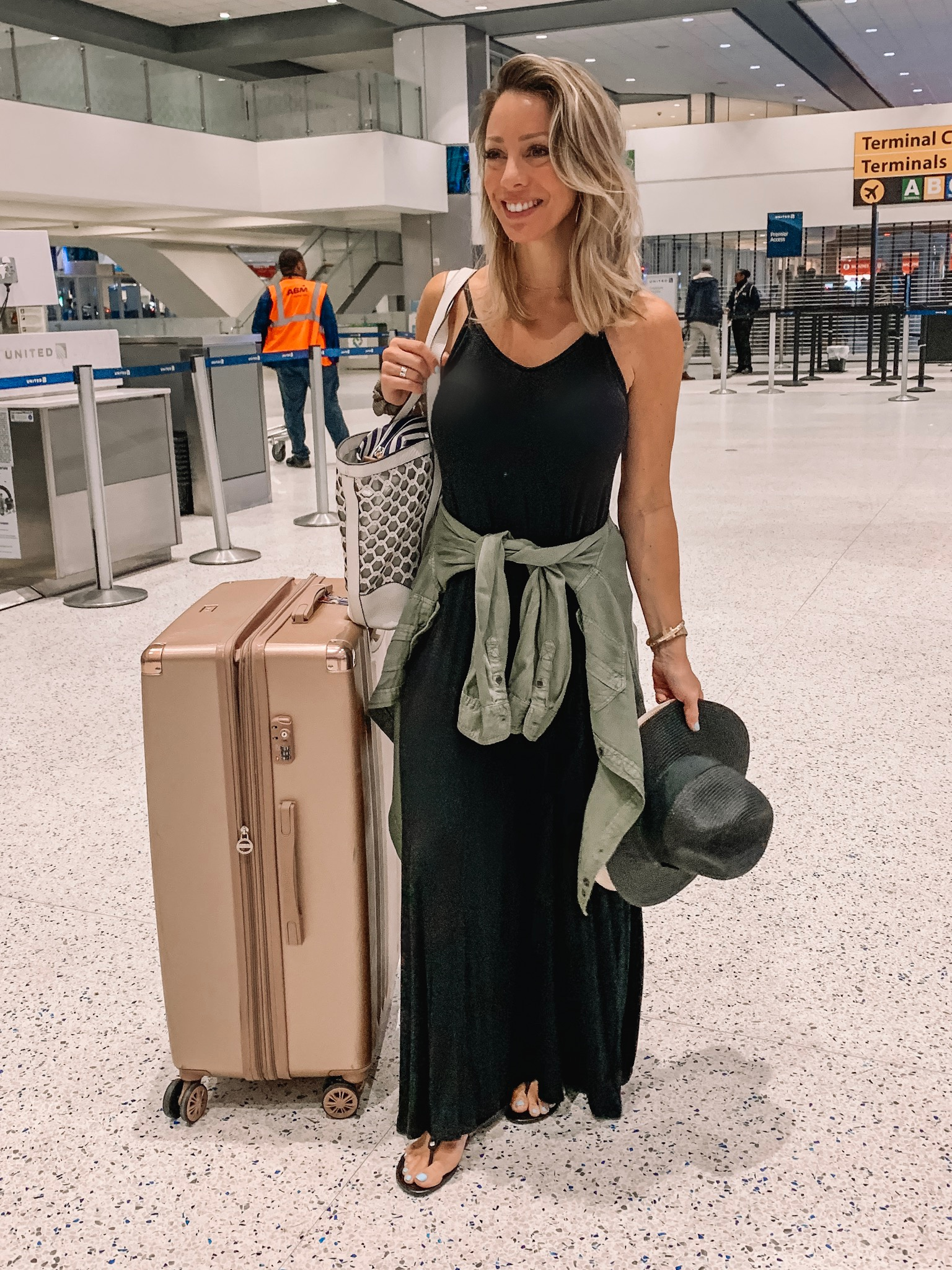 Maxi dress - comfy travel outfit