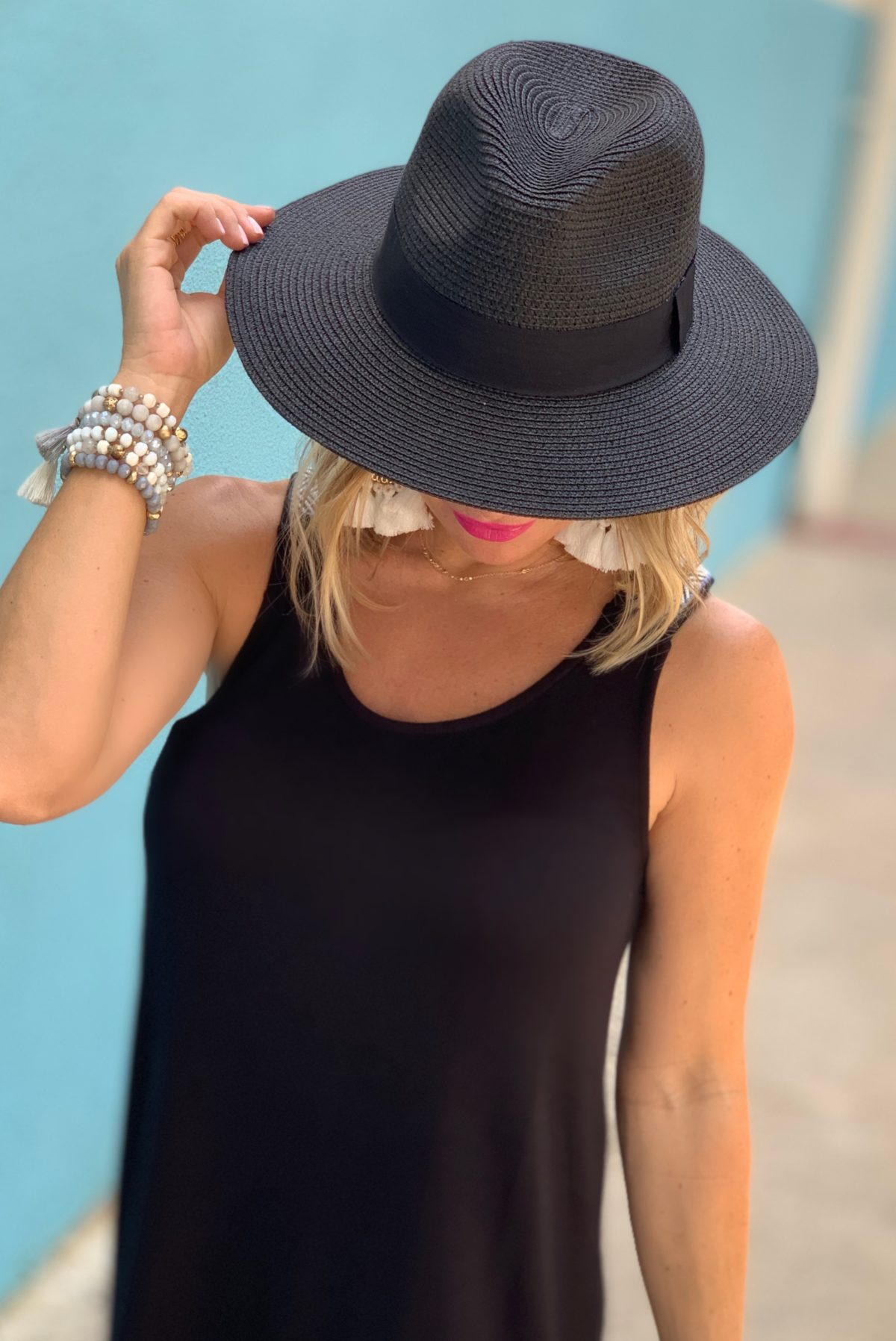 black sun hat $16 Amazon