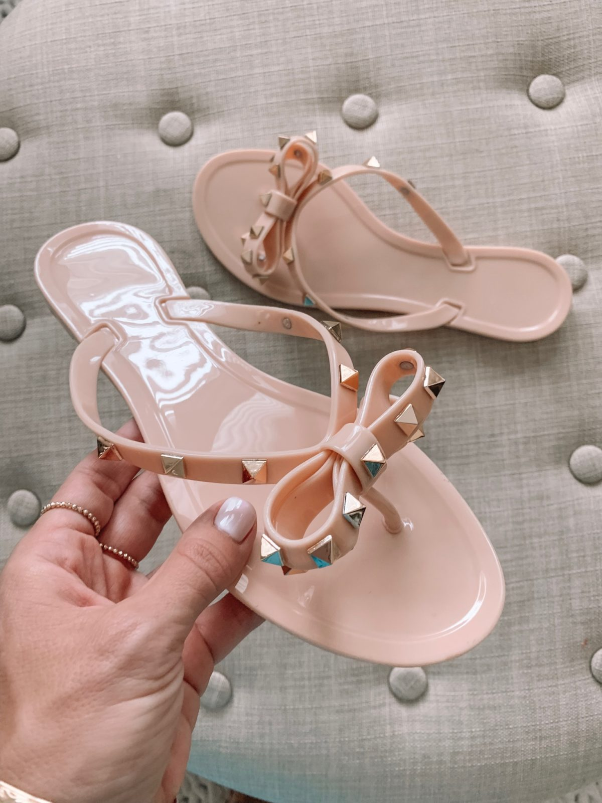 Amazon fashion haul -Bowtie Jelly Flip Flop Sandals
