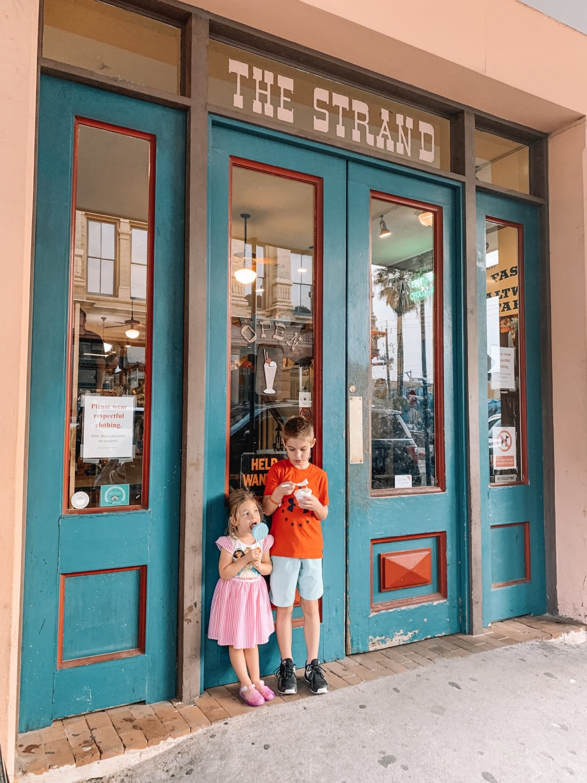 48 Hours in Galveston - the strand icecream