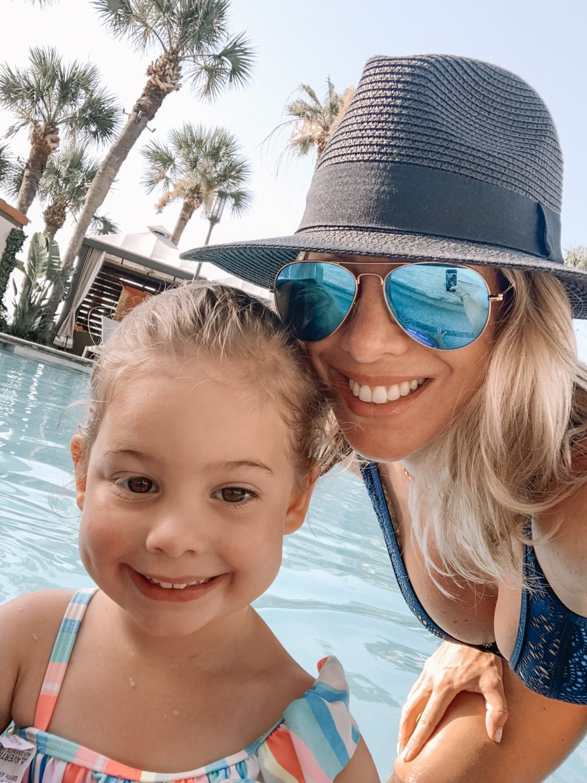 48 Hours in Galveston - mother daughter selfie in the pool