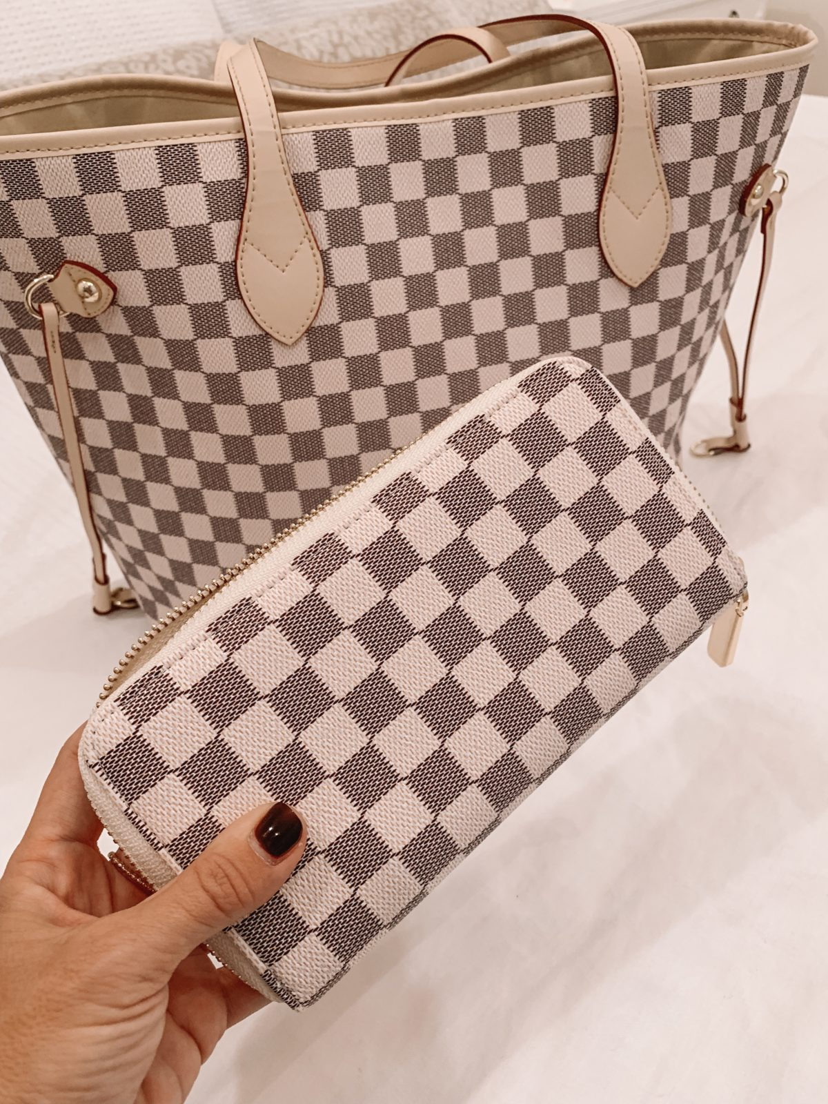 Amazon fashion haul, checkered tote and wallet