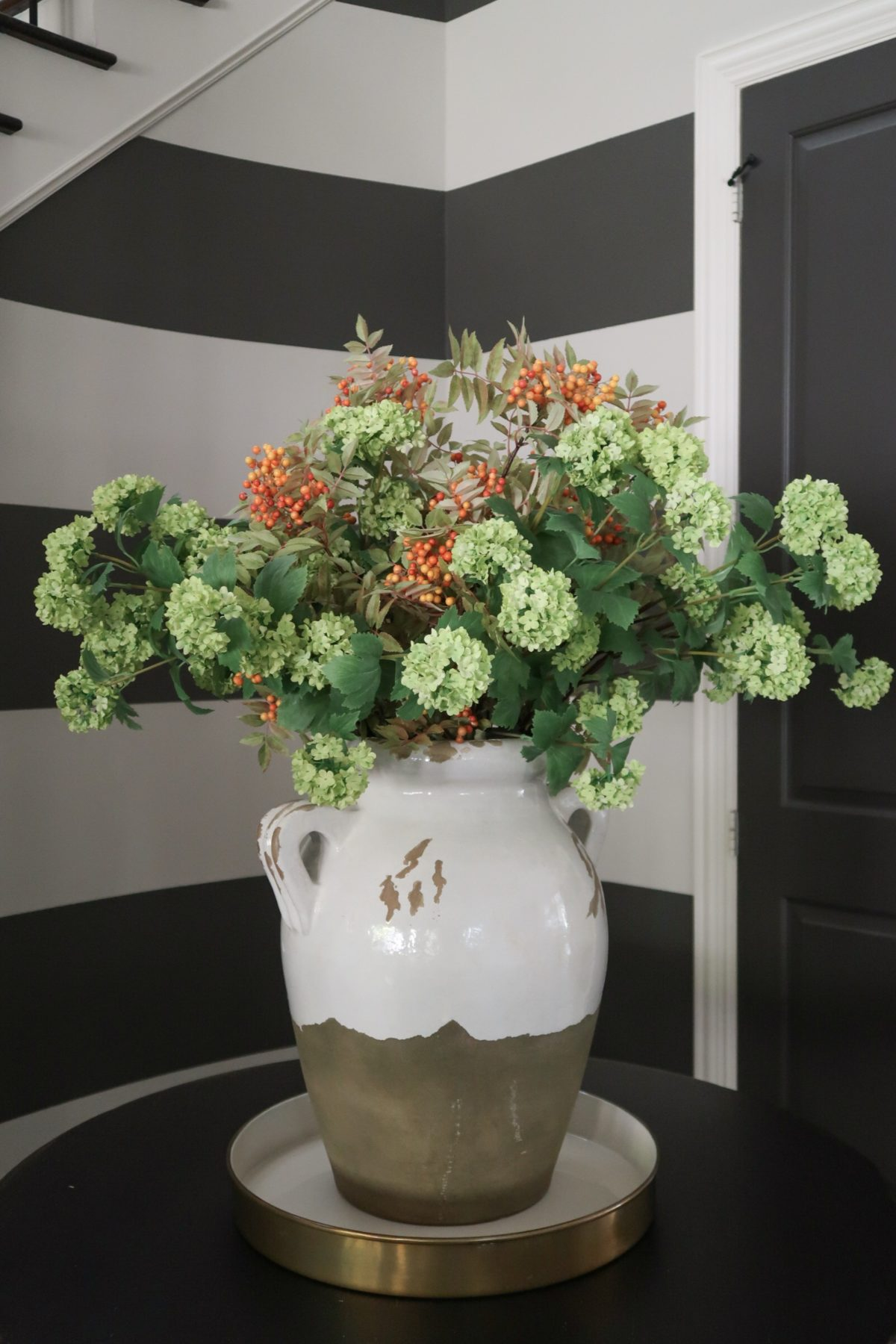 Home Decor Vase & Flowers