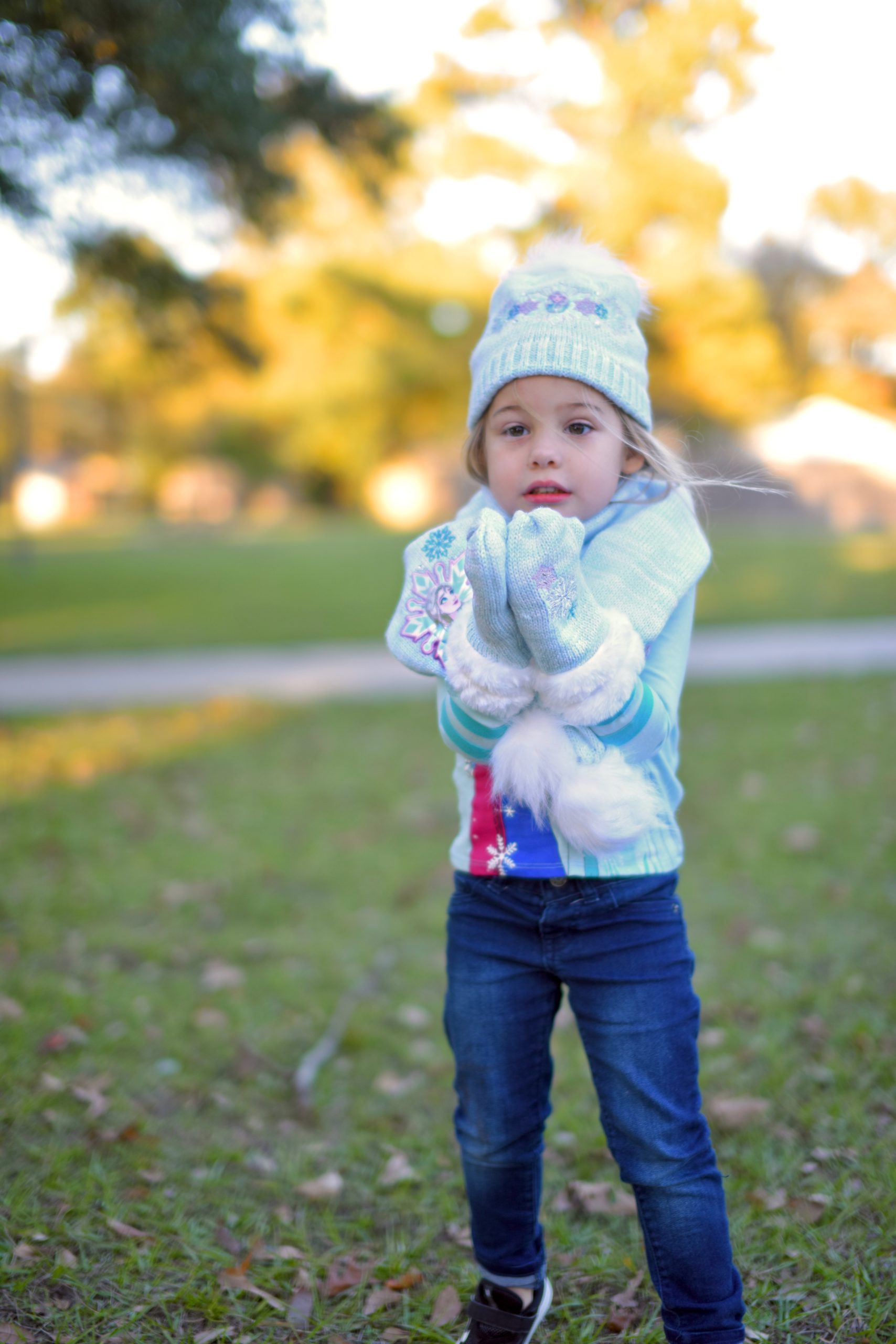 Frozen tee and hat, mittens scarf